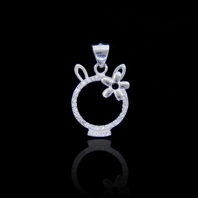 Sample AAA Silver Cubic Zirconia Pendant Jewelry With Eiffel Tower