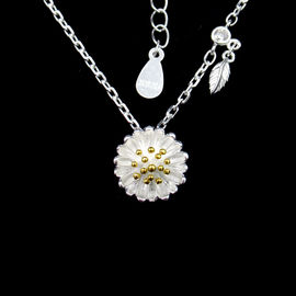 China Romantic Cute Accessory Silver Cubic Zirconia Necklace For Girls / Silver 925 Daisy Chain Necklace With Leaves factory