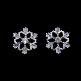 Personalized Silver Cubic Zirconia Earrings , Zircon Copper Flower Charm Cute Stud Earrings For Women
