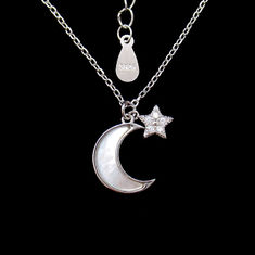 China Fashionable Base 925 Silver Necklace With Crescent Shape Mirror Polished factory