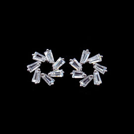 China Luxury CZ Small 925 Silver Earrings Jewelry Gift Silver Plating Surface factory