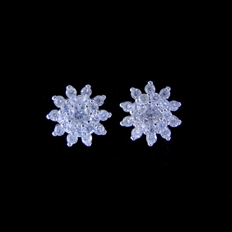 Personalized Silver Cubic Zirconia Earrings Fashion Jewelry With Flower Shape supplier