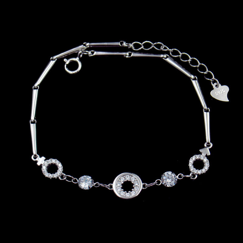 Classical White Silver Cubic Zirconia Bracelet For Woman Customized Size supplier