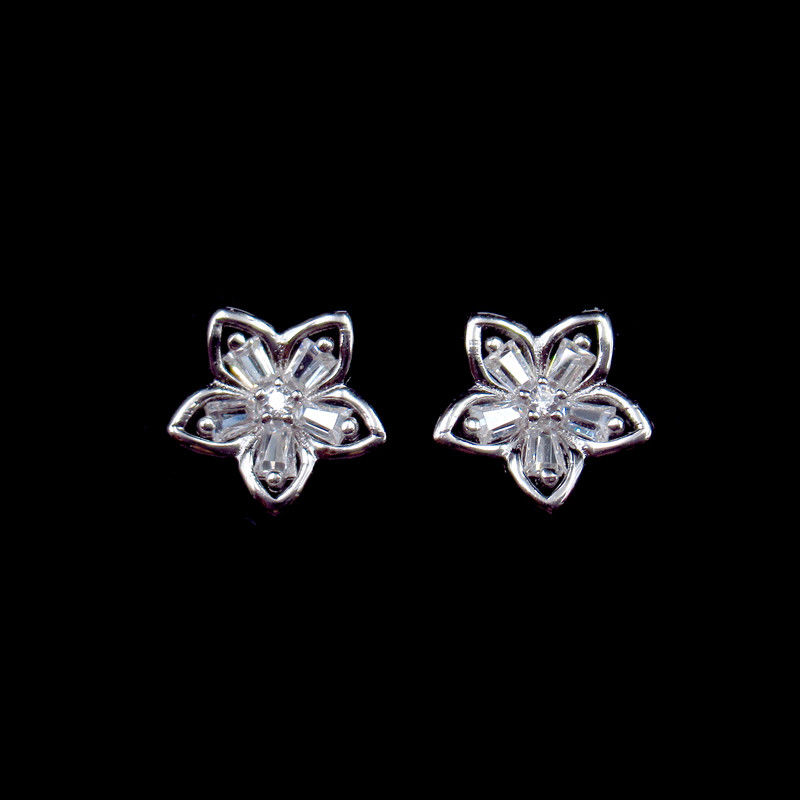 Flower Silver Cubic Zirconia Earrings For Anniversary , Engagement supplier